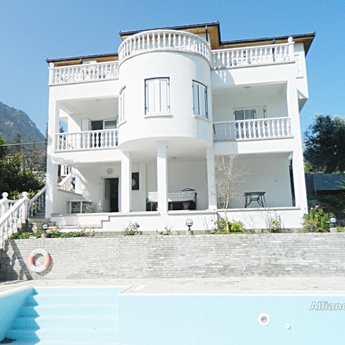 Villa in Bashpinar - exclusive offer!