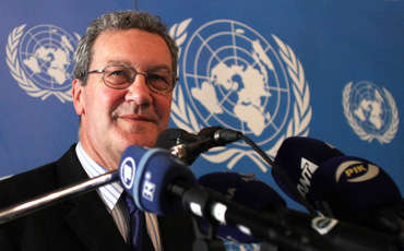 Alexander Downer to bid farewell to Cyprus